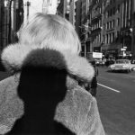 Lee Friedlander, New York City, 1966, Silbergelatineabzug, 27,9 x 35,6 cm; © Lee Friedlander, courtesy Galerie Thomas Zander, Köln, Fraenkel Gallery, San Francisco