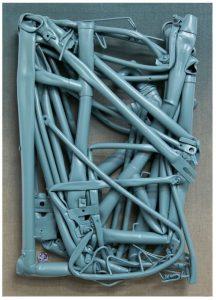 """Jan Albers """"pegAsusAufgAzelle"""", 2012, Fahrradrahmen, Button & Sprühfarbe aufLeinwand, 71 x 51 x 14 cm,Photo© & Courtesy der Künstler & VAN HORN, Düsseldorf"""