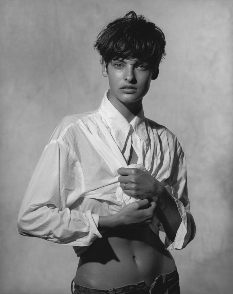 Linda Evangelista, Vogue Italien,  Pin-up Studio, Paris 1988 © Peter Lindbergh / courtesy Schirmer/Mosel